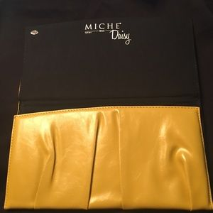 Vintage Miche classic Yellow Daisy shell